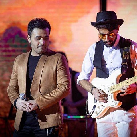 دانلود آهنگ چقدر با عشق موهاش میکردم نوازش میثم ابراهیمی